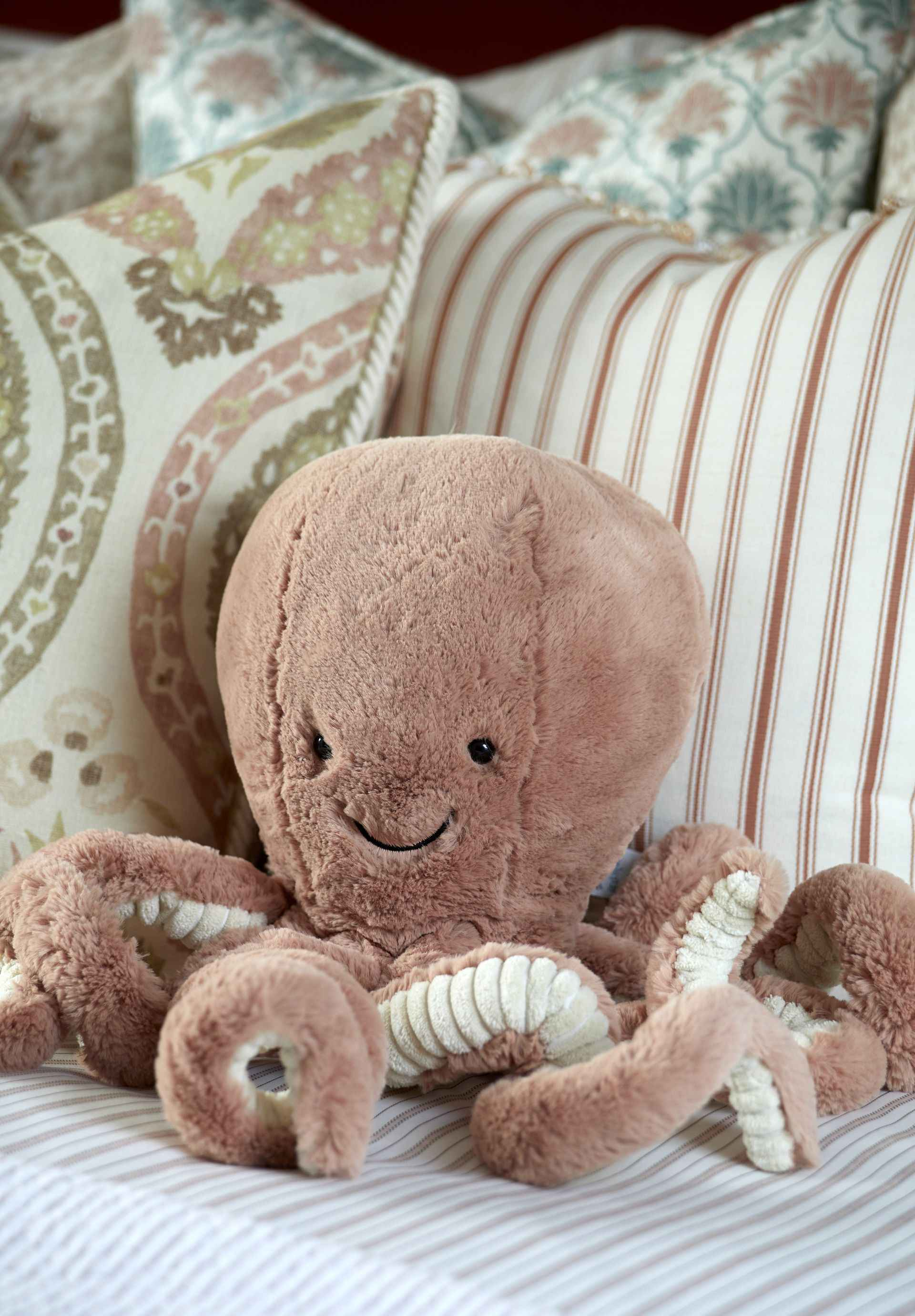 Fluffy Octopus at the pink room at Mountain Ash House