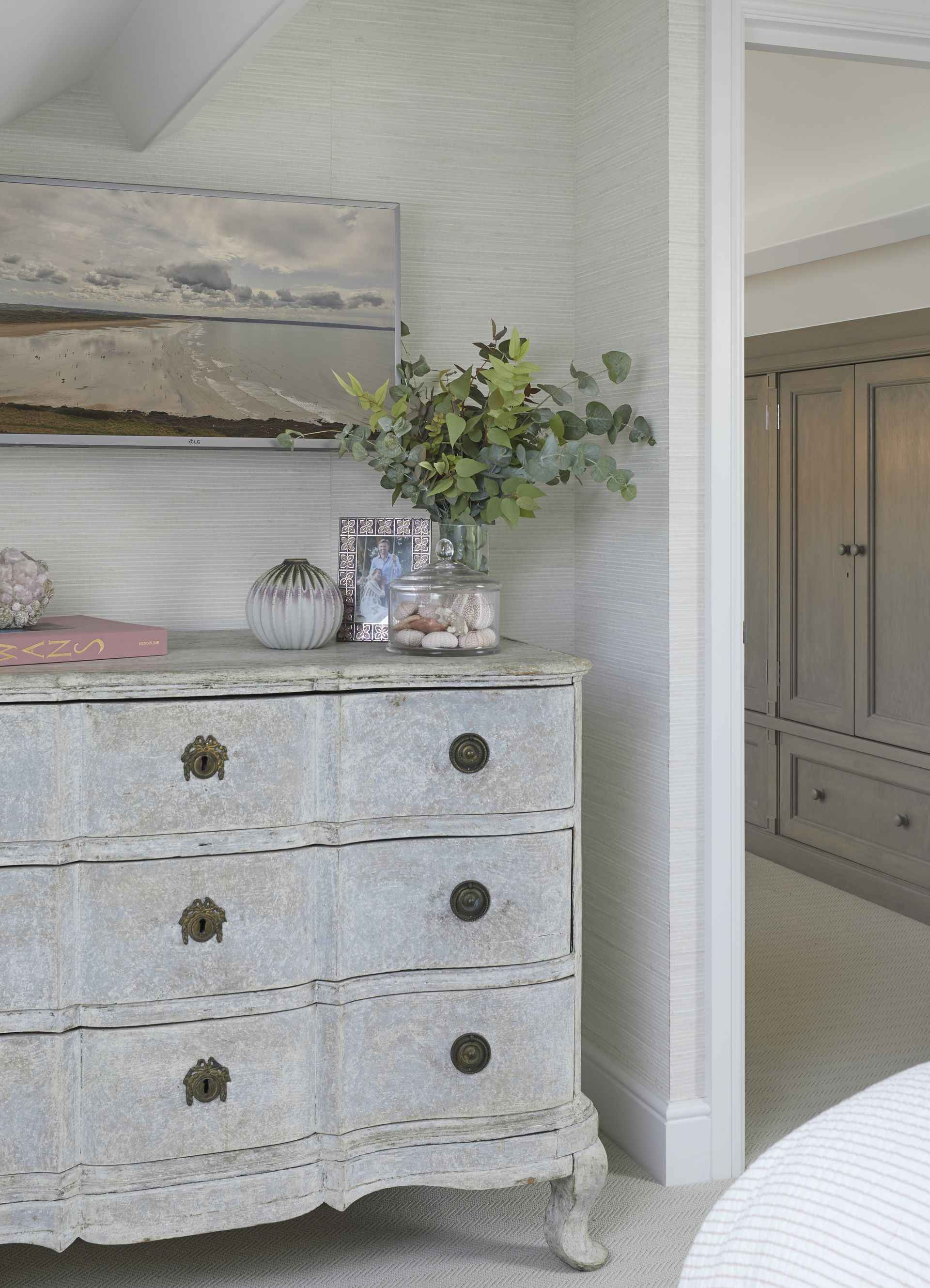 chest of draws at pink room at Mountain Ash House